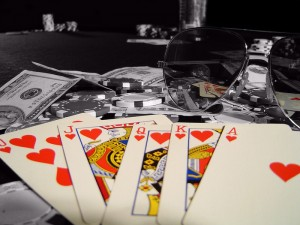 как блефовать в покере